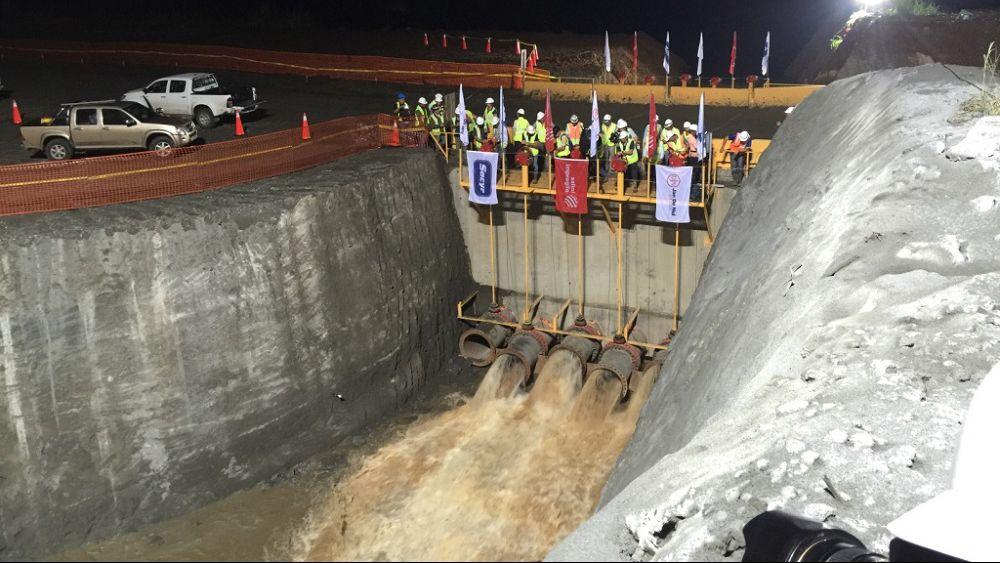 Panama Canal Crack
